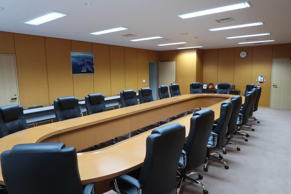 8F円卓会議室004